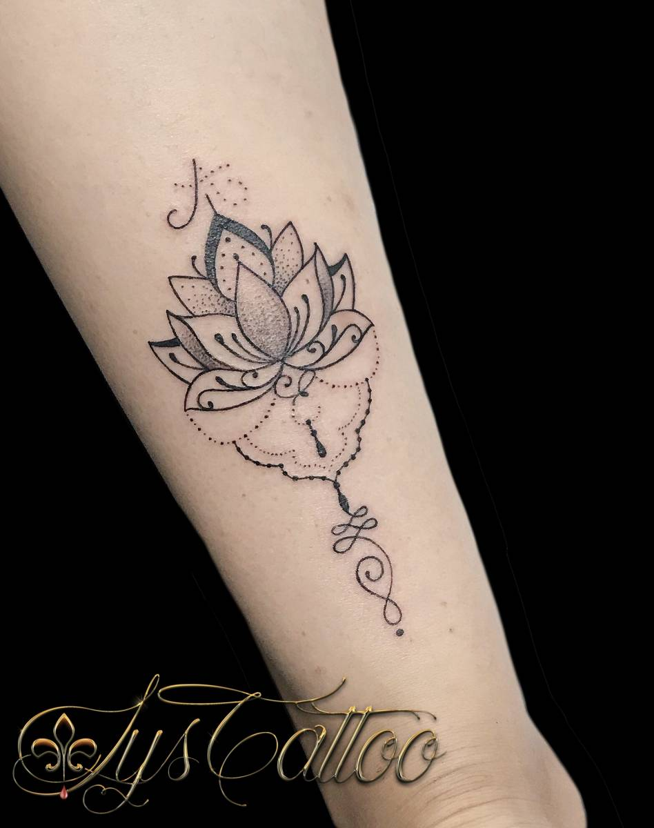tatouage femme sensuelle